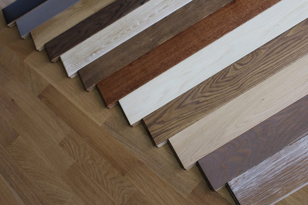 parchet lemn masiv finisat